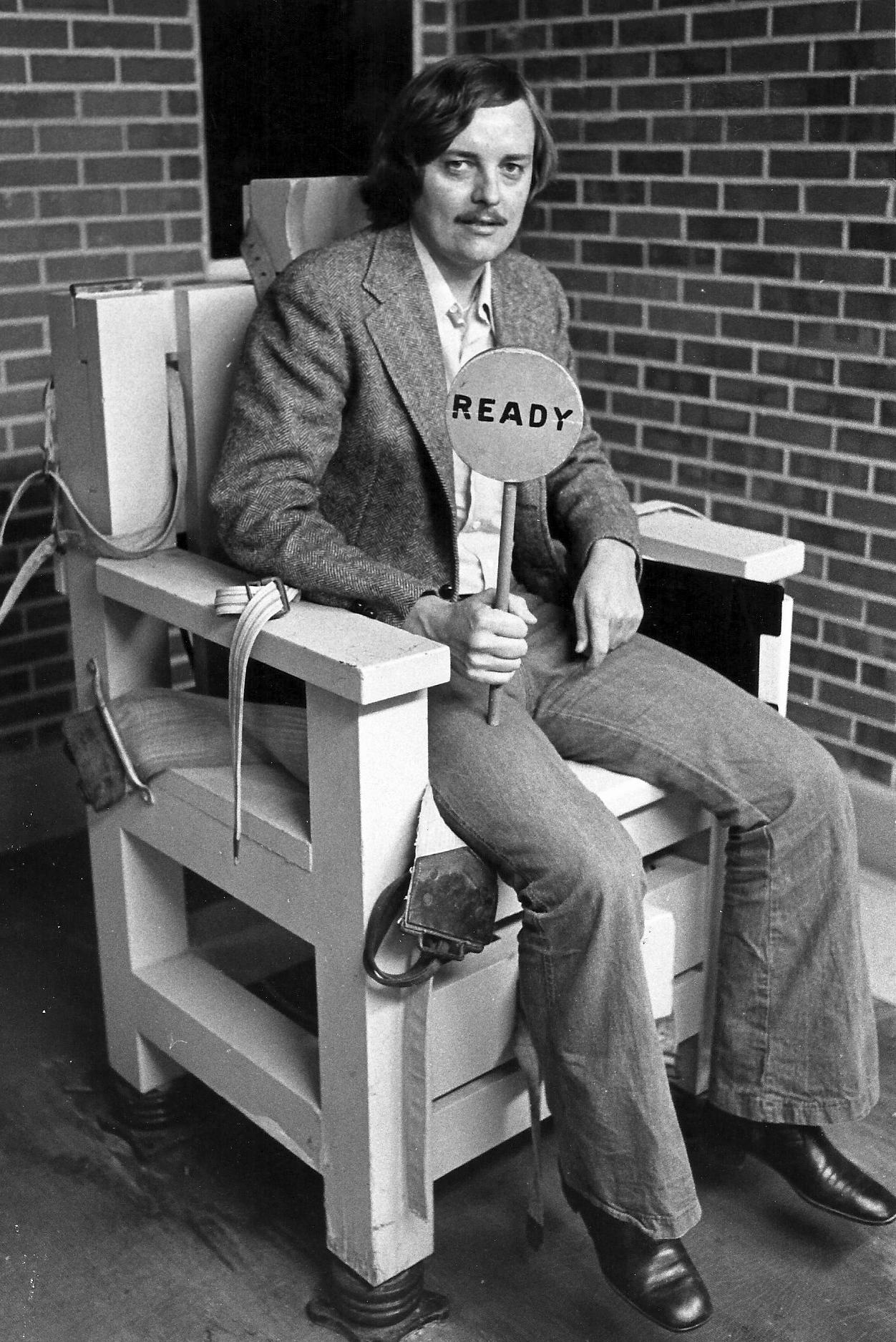 First electric chair victim - News Reporter Bob Lowry Sitting In The Alabama Electric Chair Called Yellow Mama While Waiting To Interview Death Row Inmate John Louis Evans 1